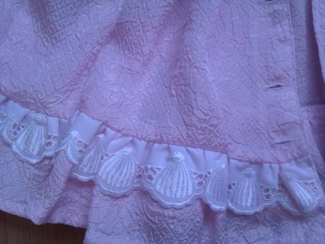 ružová šatočka, 68