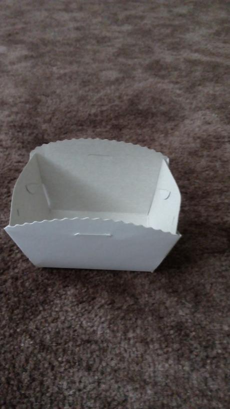 24 ks malých výslužkových krabiček 9x6x5,7 cm,
