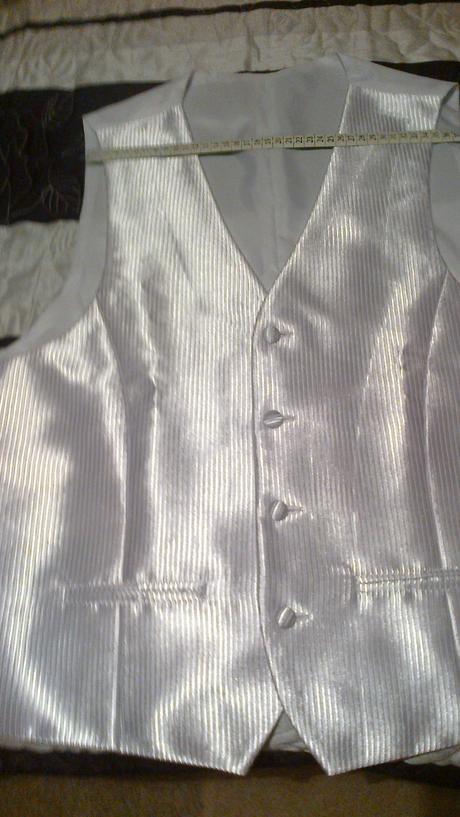 Svadobna vesticka  s kravatou, 54