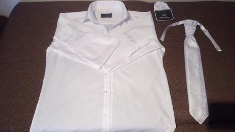 Košeľa + kravata + vreckovka, 40