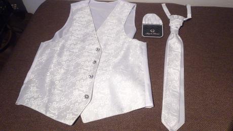 Vesta + kravata + vreckovka, 36