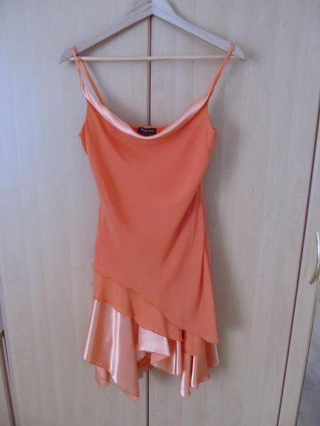 Koktejlové šaty, 40
