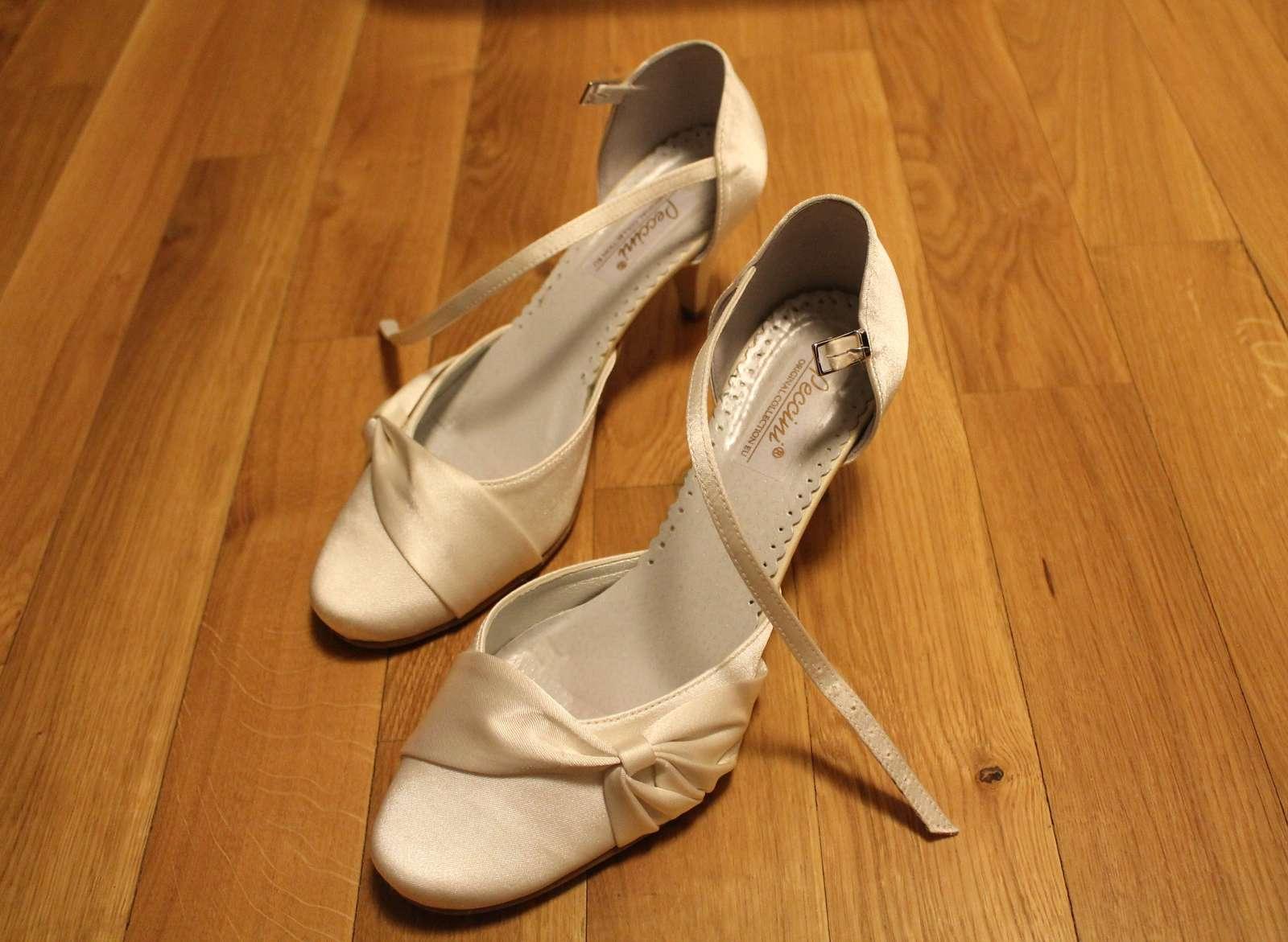 Svatební boty pecciny s menším podpadkem 37 38 b48b685fcc