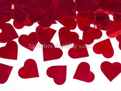 Vystřelující konfety plátky srdce červené,