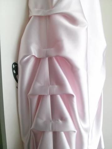 Společenské růžové šaty, 36