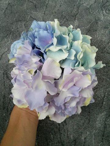 Umělé kytky na výzdobu,