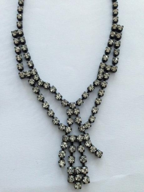 Čierno-strieborný štrasový náhrdelník,