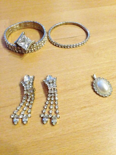 Štrasové šperky od 1e,
