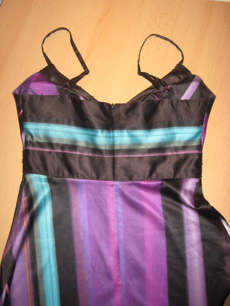 Saténové šaty , 36