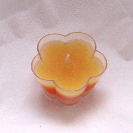 Dárek pro hosty - svíčka kytička 1,