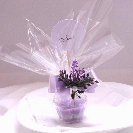 Dárek pro hosty - svíčka kytička 2,
