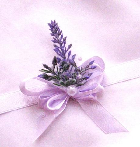 Datum svatby v lila,