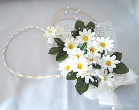 """dekorace na svatební auto """"V bílém s kopretinou"""","""