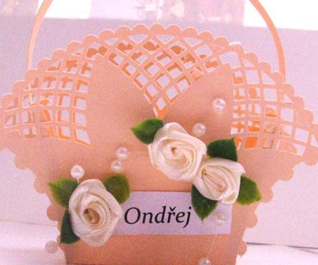 Jmenovka - košíček na dárek pro hosty (2),