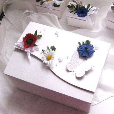 """jmenovka - krabička na dárek """"Rozkvetlá louka"""","""