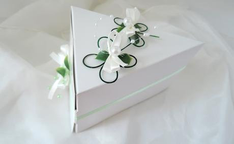 krabička na výslužku nebo dort čtyřlístková,