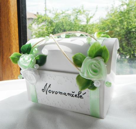 krabička- truhlička na darování peněz- mini,