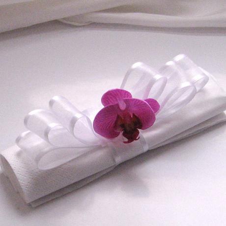 """kroužek na ubrousky """"Šlehačka s orchidejí"""","""