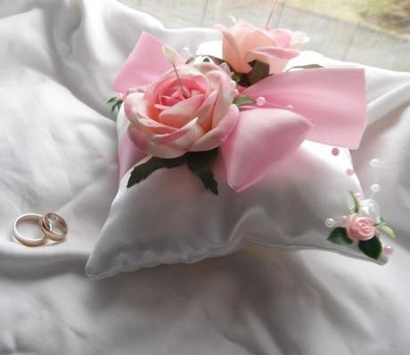 Polštářek na prstýnky - světle růžový- růžičkový,