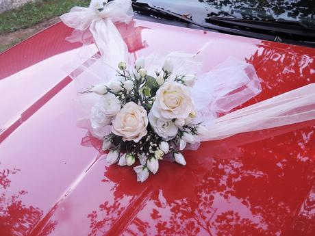 """svatební auto - """"Bílé a krémové růže """","""