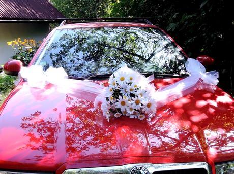 """Svatební auto - """"Velká kytice kopretin"""","""