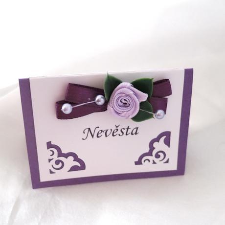 Svatební jmenovky - fialové ornamenty,