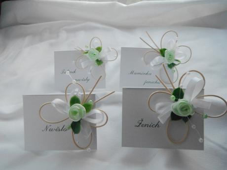 Svatební jmenovky - zelenobílí motýlci,