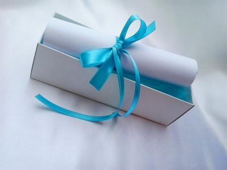 svatební oznámení v krabičce- s motýlkem,