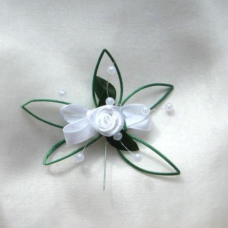 """svatební vývazky """"Zelenobílý květ"""","""