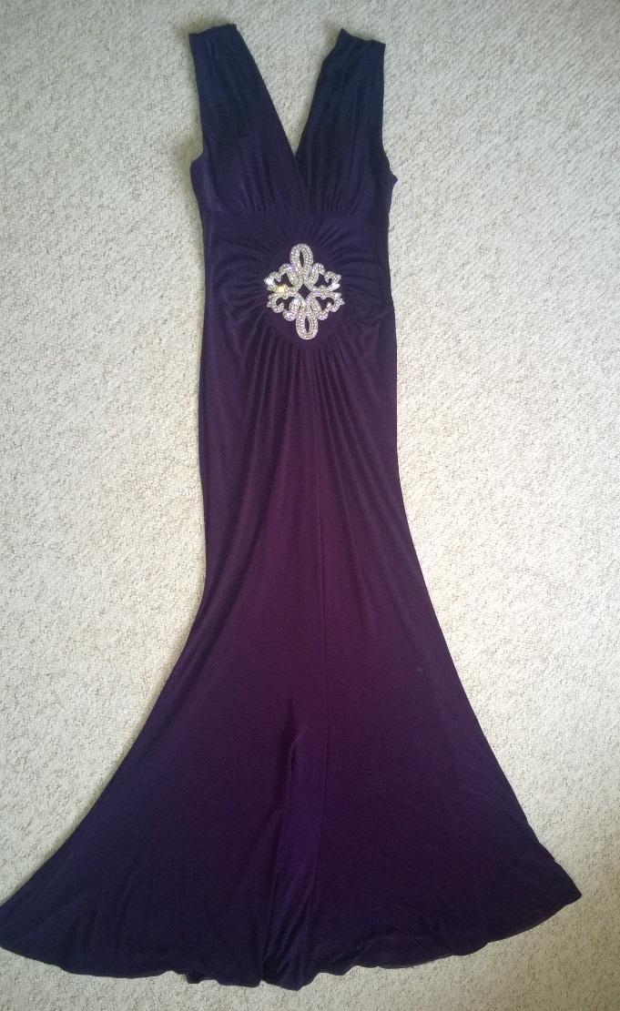 Dámské dlouhé společenské šaty barvy fialové a20e5fc07e