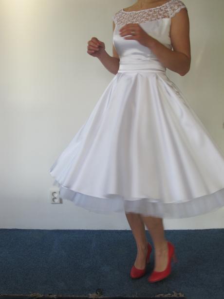 Retro saténové šaty ala 60.léta vel-34-36, 36