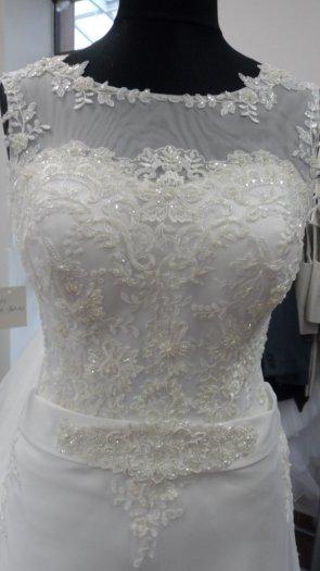 Svatební šaty_velikost 38-42, 40