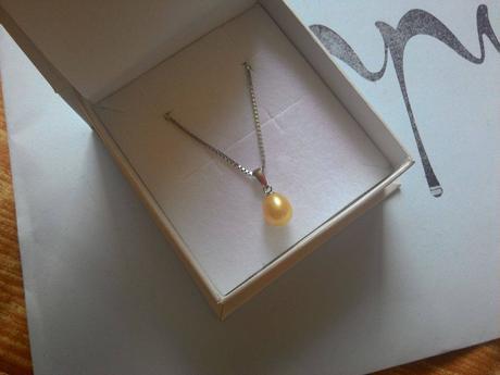 EPPI - strieborný náhrdelník s perlou,
