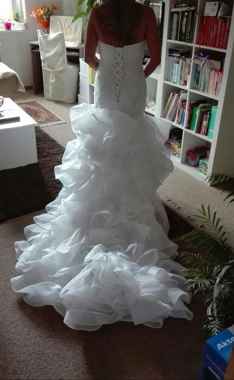 Luxusní šaty , 37