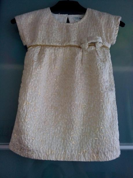 Bílo-zlaté krémové šaty, 86