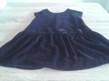 Sametové sváteční šaty, 92