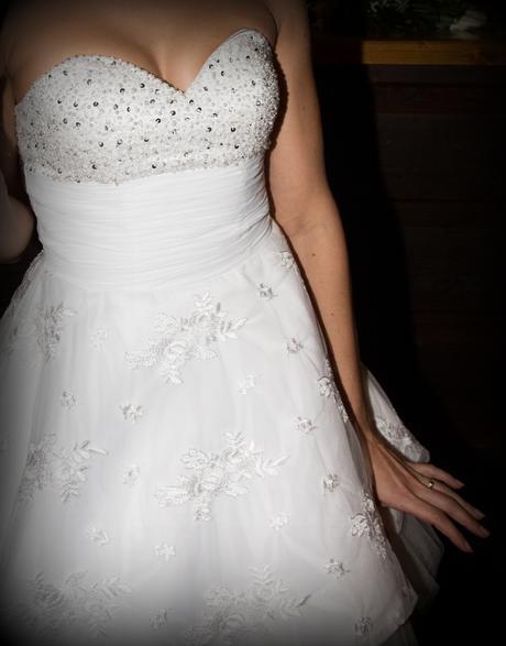 Krátké svatební šaty, 36