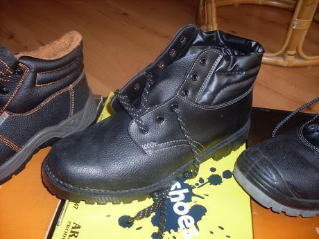 nepoužité pracovné topánky č.44,
