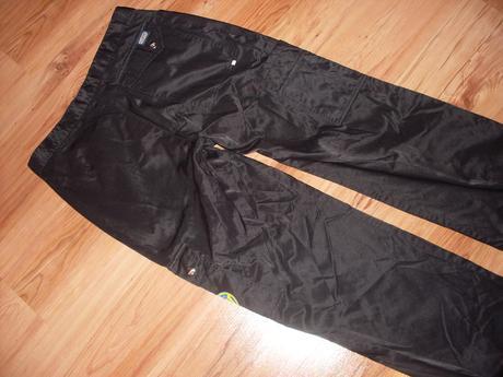 pracovné nohavice/montérky,