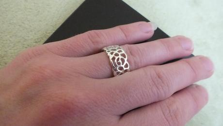 Sada náhrdelník, náušnice a prsteň,