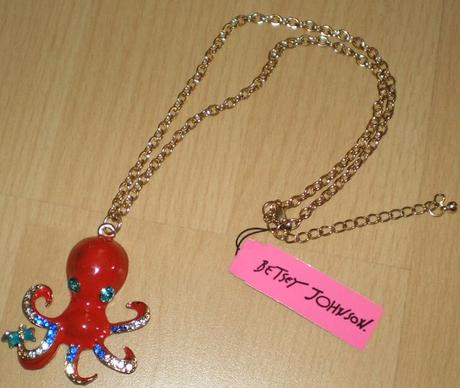 chobotnica Betsey Johnson,