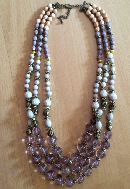 farebný náhrdelník Camaieu,