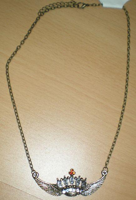 náhrdelník so štrasom,