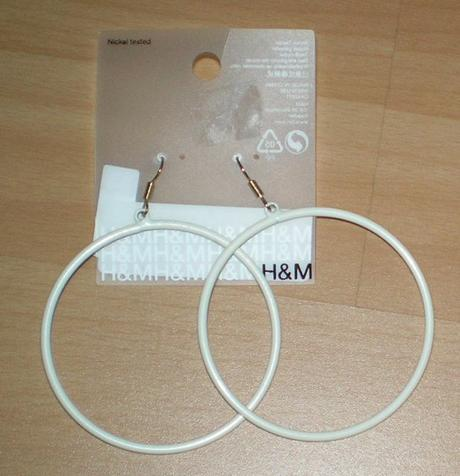 velke biele kruhy H&M,