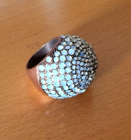 velky trblietavý koktejlový prsten MNG Touch,
