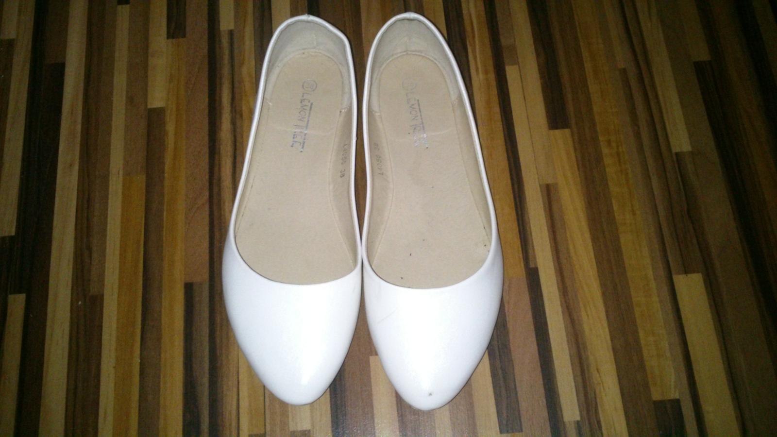 987d487a19 Svadobné saténové lodičky + zdarma biele balerínky