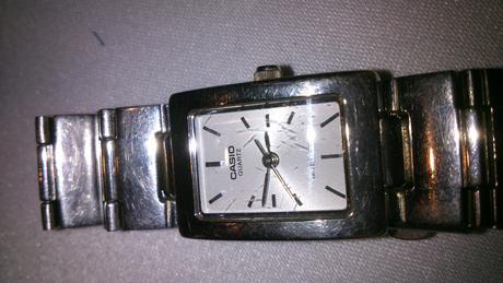 Dámske hodinky Casio,