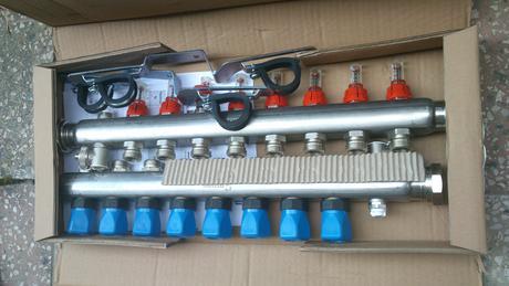 Rozdeľovač podlahového vykurovania HKV-D 8,