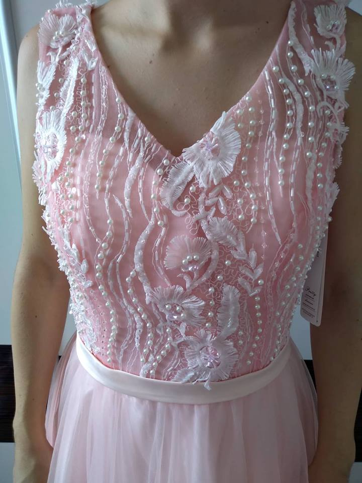 6562f8d15b33 Nové kvalitné spoločenské šaty l-xl