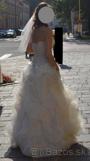 1e417bafbd30 Predám krásne svadobné šaty